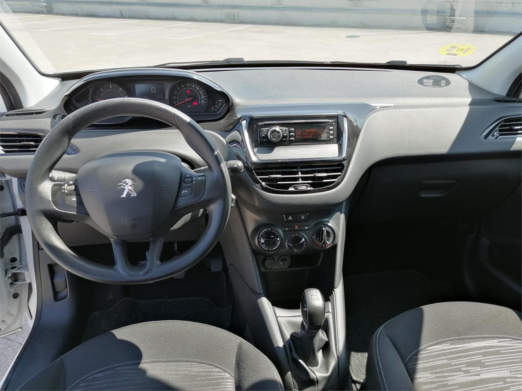 Foto 5 PEUGEOT 208 1.4 HDI BUSSINES LINE