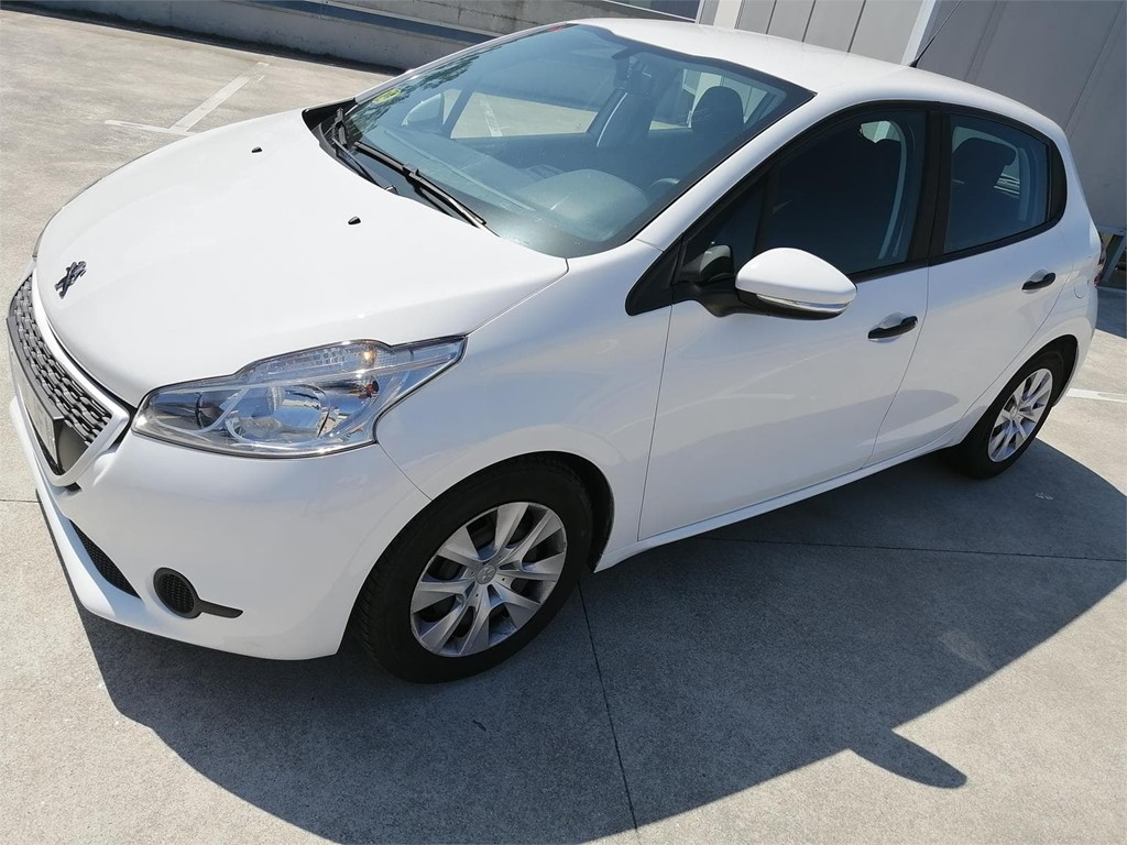Foto 1 PEUGEOT 208 1.6 HDI BUSSINES LINE