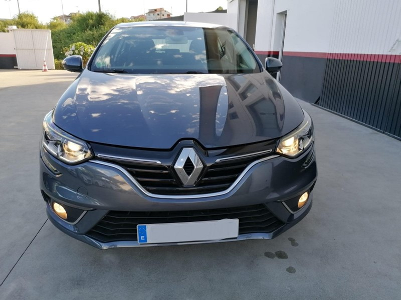 RENAULT-MEGANE BUSINESS
